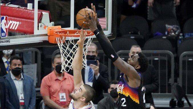 'Suns' nonāk vienas uzvaras attālumā no NBA fināla