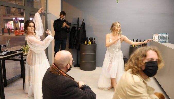 Rīgas modes nedēļas otrā diena: 'Grieta', 'Soyka Secret Garden' un 'Amari'