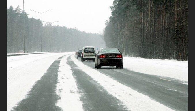 No marta vidus valsts autoceļos paredz ieviest pagaidu satiksmes ierobežojumus