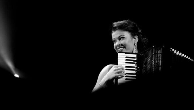 Ksenija Sidorova un 'Kremerata Baltica' koncertēs Cēsīs