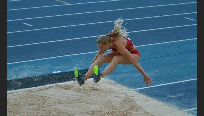 Māra Grīva izcīna bronzu Universiādes trīssoļlēkšanas sacensībās