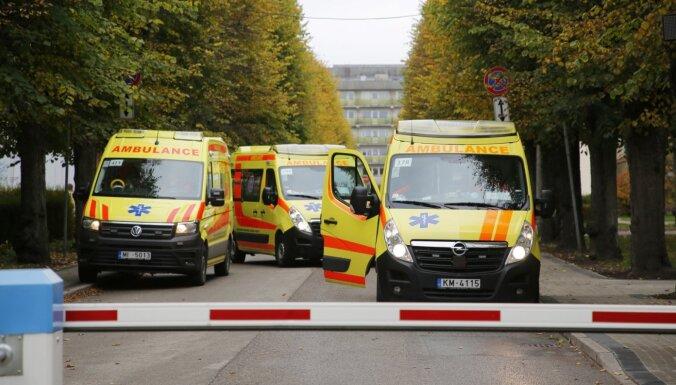 Pirmdien stacionāros ievietots 151 Covid-19 pacients