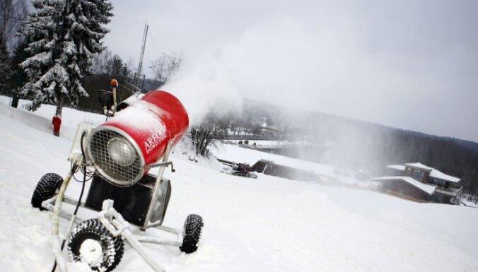 Avīze: elektrības sadārdzinājums ierobežos kalnu slēpotājus