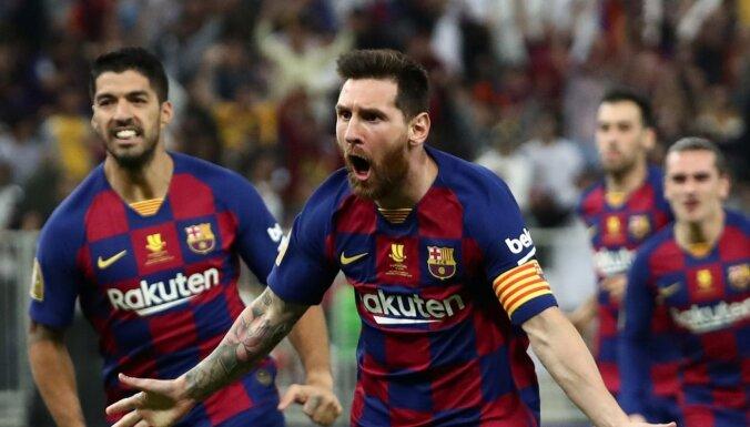 'Barcelona' līderi Mesi un Svaress atkopjas no savainojumiem