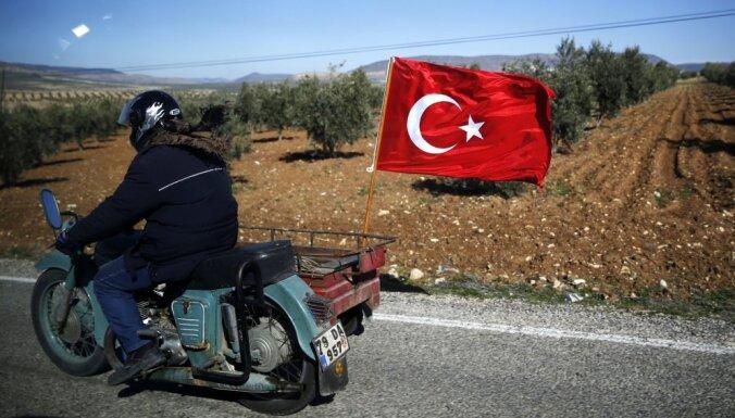 Turku melnā diena kurdu Afrīnā – septiņi kritušie