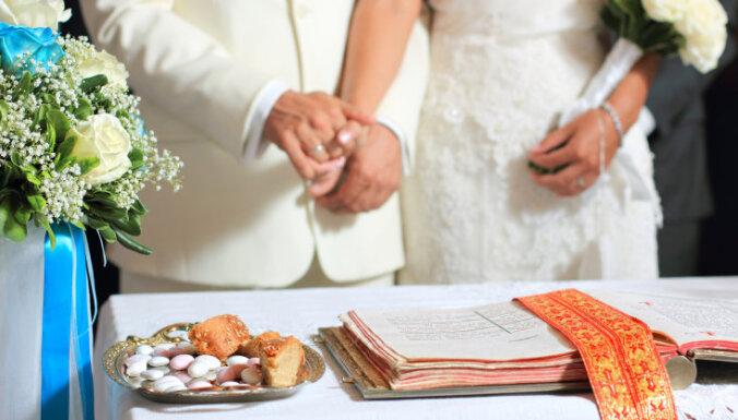 В прошлом году в Латвии чаще регистрировали браки