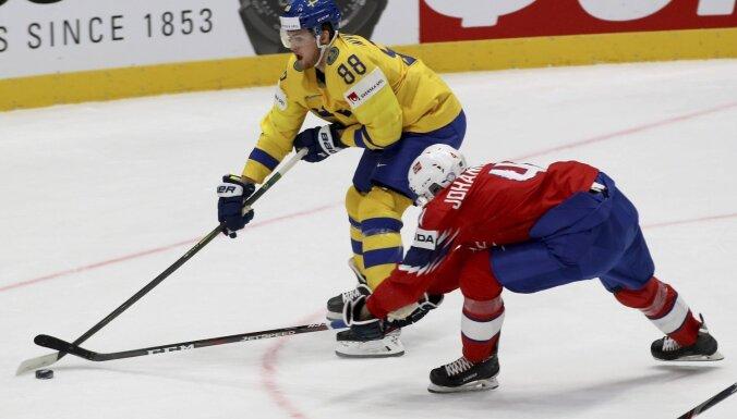Zviedrijas hokejisti pārbaudes spēlē pieveic Latvijas pretinieci Norvēģiju