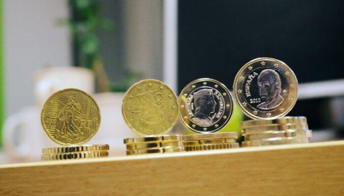 ФОТО: нелатвийские евромонеты в Латвии вызывают недоверие