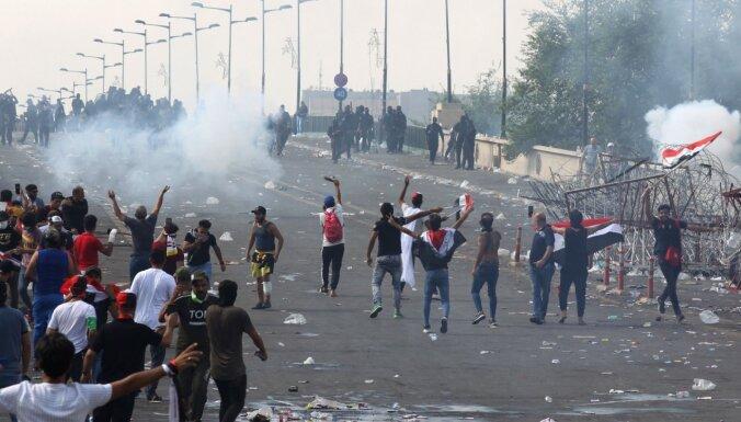 Protestu dēļ Bagdādē atslēgts internets