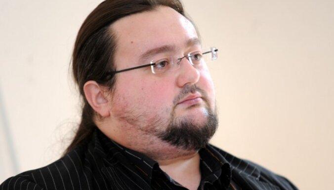 Imants Liepiņš: Kā latvieši pamanījās saķīvēties neeksistējošu vistu dēļ