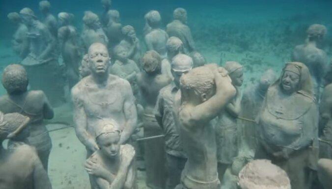 Skulptūras zem ūdens: neparastais muzejs pie Kankunas, kas atrodas jūras dzelmē