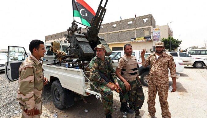 Lībijas kaujinieki pārtraukuši ministriju blokādi