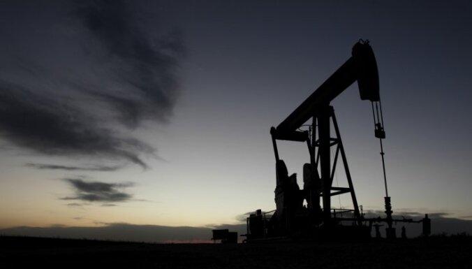 Pēc vairāku nedēļu krituma pasaules naftas cenas strauji pieaug