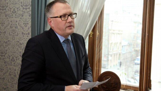 Ašeradens ar PA valdi pārrunā LMT un 'Lattelecom' jautājumu