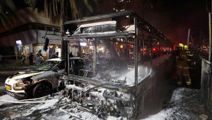 'Hamas' uz Telavivu izšāvusi 130 raķetes