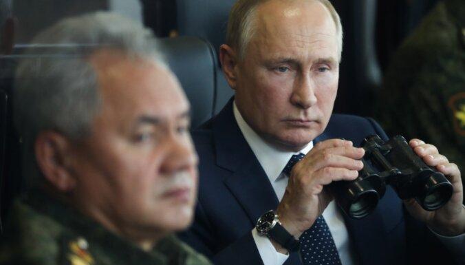 Covid-19: Kremļa saimnieks Putins devies pašizolācijā