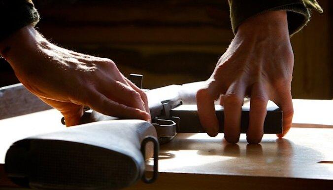 Vācijas parlaments padara stingrākus ieroču turēšanas noteikumus