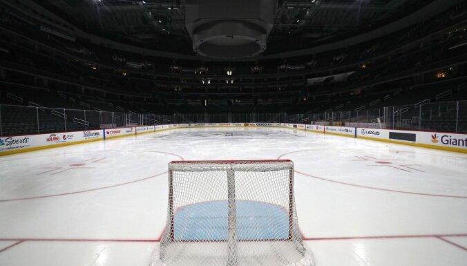 NHL neizslēdz Stenlija kausa izcīņas izslēgšanas spēles augustā