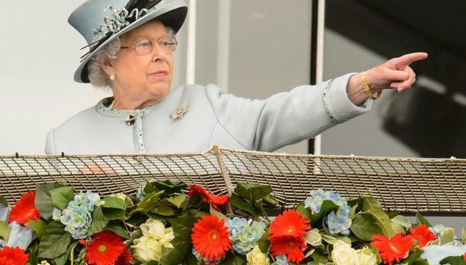 Lielbritānijas karaliene meklē pulksteņu uzraugu