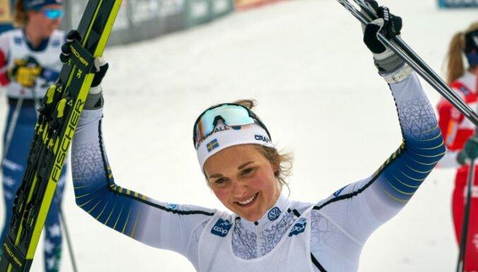 Nilsone pārtrauc Juheugas 10 uzvaru sēriju Pasaules kausa sacensībās