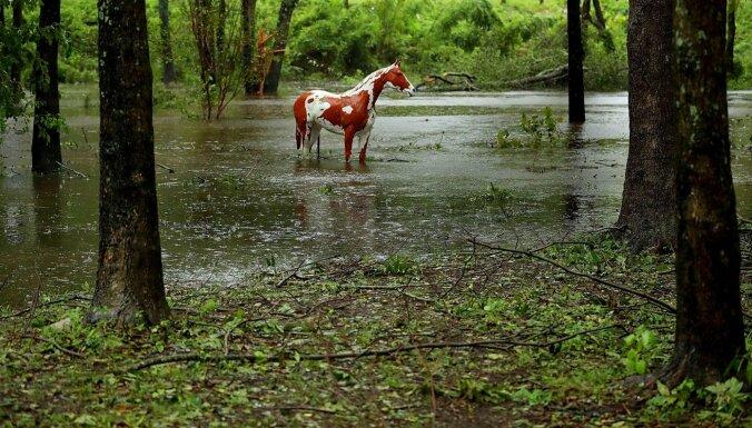 Otrdien valsts lielākajā daļā līst un turpinās līt visu dienu