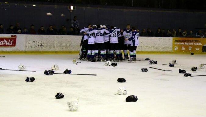 'Mogo' hokejisti Latvijas kausa finālam iesildās ar 'Prizmas' pārspēšanu