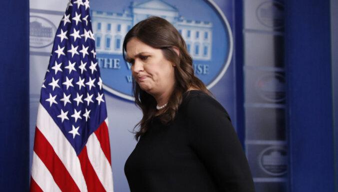 Пресс-секретаря Белого дома выгнали из ресторана