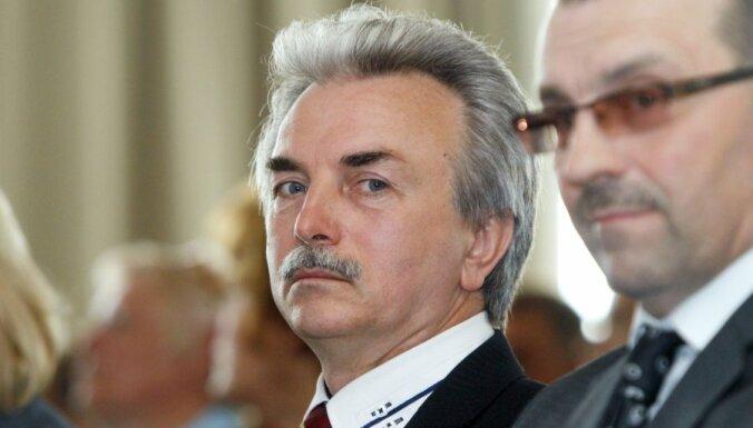 Netaisos pamest NSL tikai tāpēc, ka tuvojas Saeimas vēlēšanas, sola Kūtris