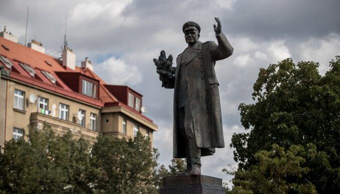 Россия пообещала ответить чехам на перенос советского памятника