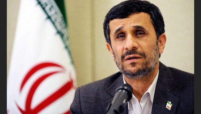 Parlaments pirmo reizi kopš 1979.gada izsauc Irānas prezidentu uz sēdi