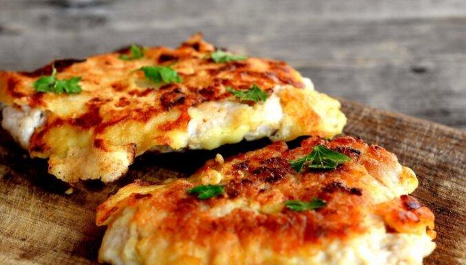 Saimniekojam ekonomiski: kā no vienas vistas pagatavot četras maltītes ģimenei