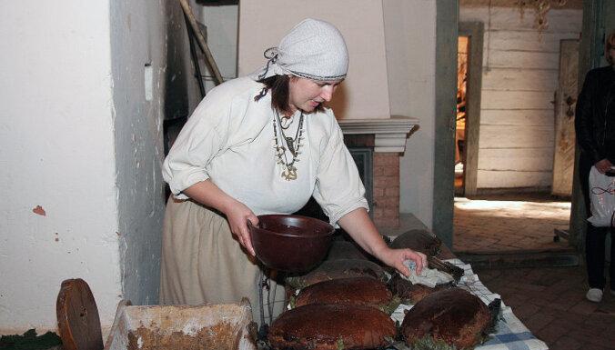 Brīvdabas muzejā aicina apgūt senās amatu prasmes