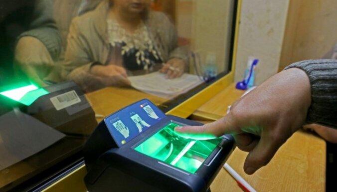 Krievija kontrolēs ārzemniekus, ņemot pirkstu nospiedumus