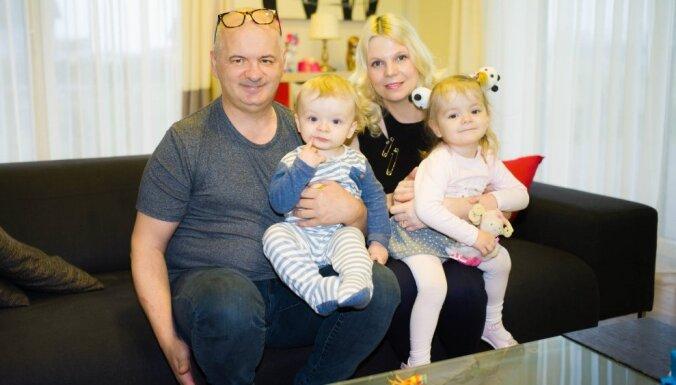 """Последний новый негражданин? Латвия признала своей """"девочку, которой нет"""""""