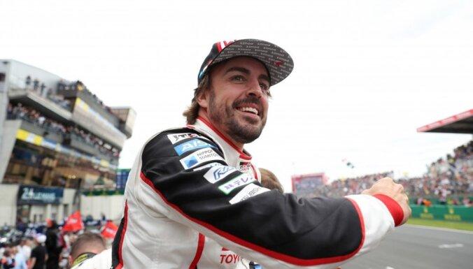 Fernando Alonso paziņo par aiziešanu no F-1