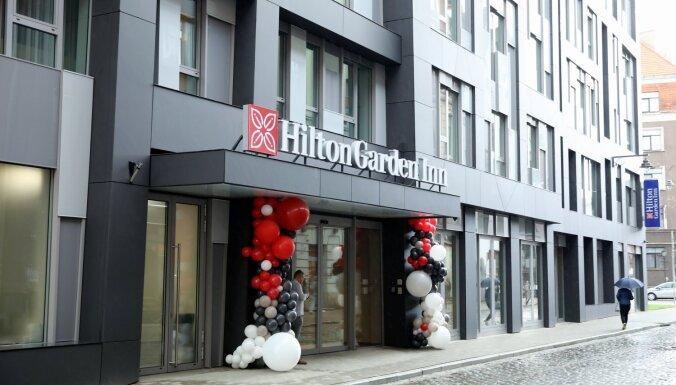 ФОТО: В Риге открылся первый отель Hilton. Как он выглядит изнутри?