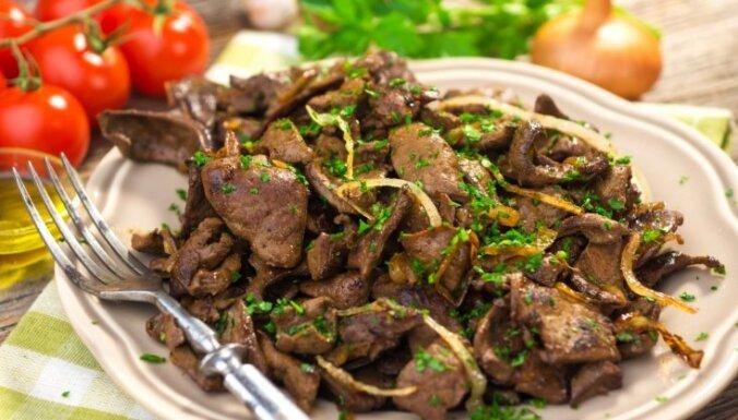 Aknu mērces – no ragū līdz stroganovam: 9 receptes ātrām maltītēm mājas gaumē