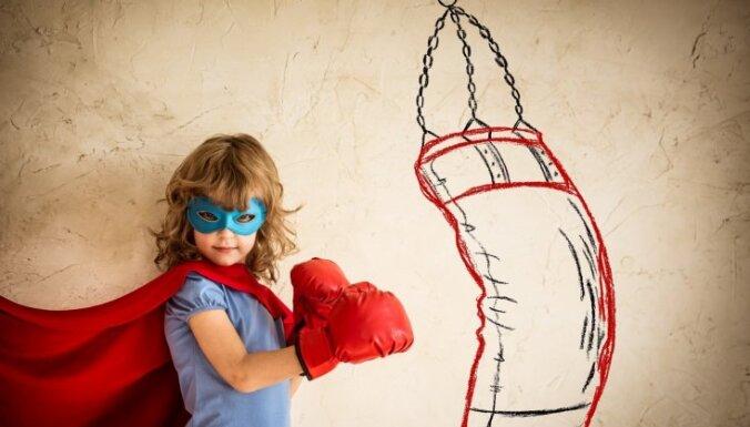 Mentāli stipri bērni – 13 lietas, ko vecākiem nevajadzētu darīt