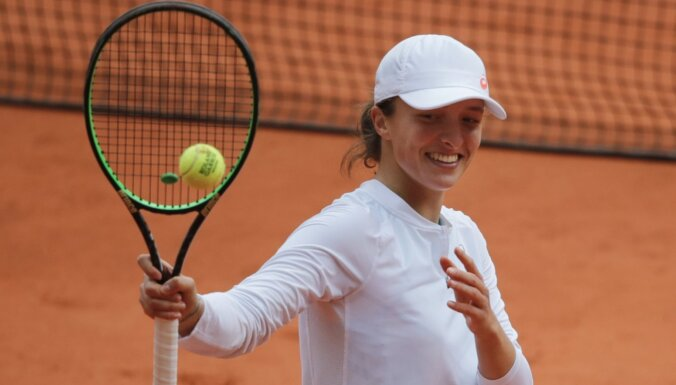 Открытый чемпионат Франции по теннису выиграла девятнадцатилетняя Швентек