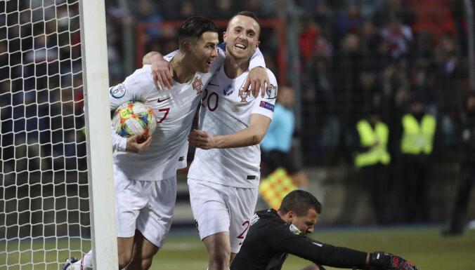 Португалия и Роналду едут на ЕВРО, Украина без поражений