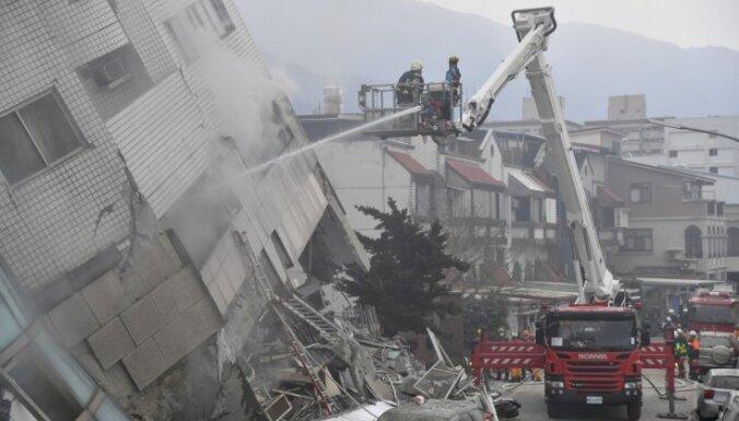 Taivānas postošajā zemestrīcē bojāgājušo skaits pieaudzis līdz 10 cilvēkiem