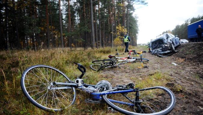 ДБДД: тренировки велосипедистов на шоссе— в рамках правил