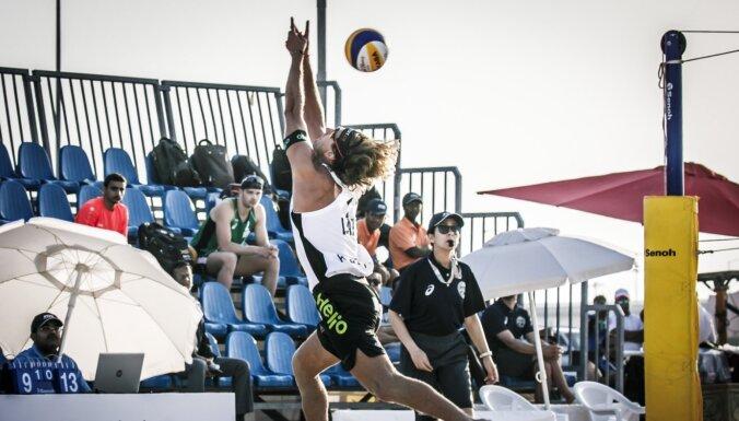 Samoilovs/Šmēdiņš dalību Dohas četru zvaigžņu turnīrā beidz astotdaļfinālā