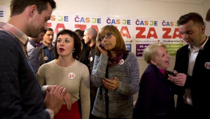 Slovēnijas vēlētāji referendumā noraidījuši viendzimuma laulību legalizāciju
