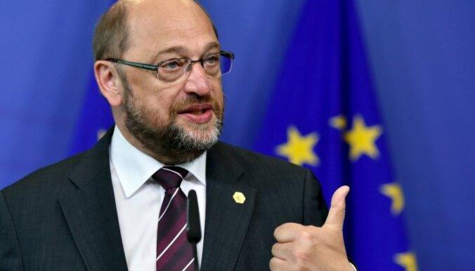Šulcs pārmet Polijas valdībai politikas 'putinizāciju'