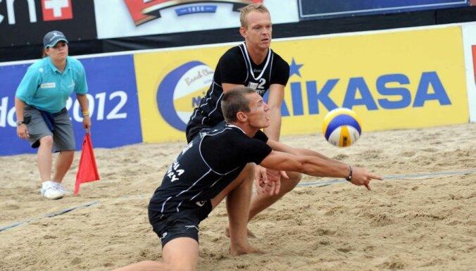 Diviem Latvijas pludmales volejbola duetiem zaudējumi EČ otrajās spēlēs (17:30)