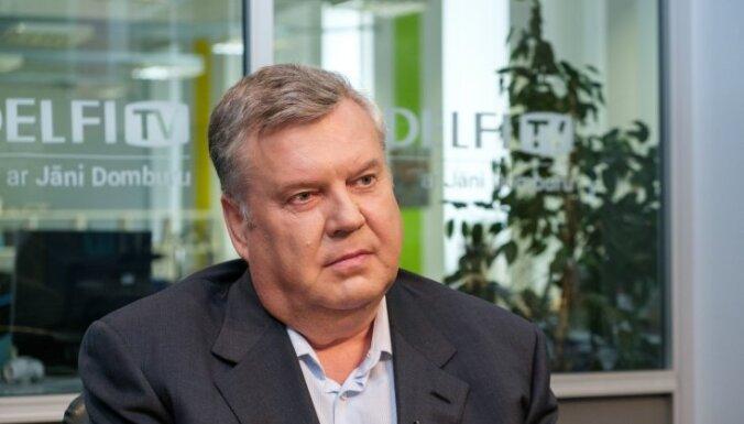Урбанович: сокращение рейсов общественного транспорта в Риге поставило под угрозу здоровье людей