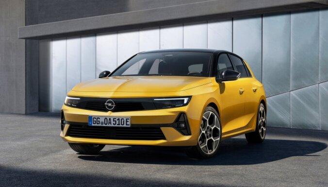 Jaunā 'Opel Astra' debitē ar uzreiz divām hibrīda versijām