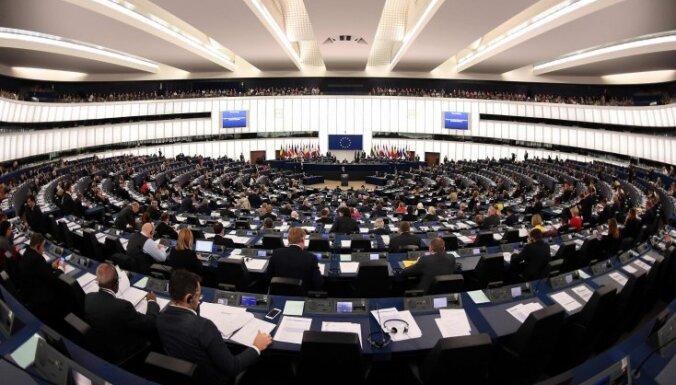 EP apturējis visu Spānijas deputātu akreditāciju, atklāj avoti