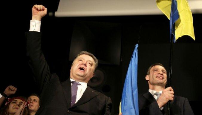 Порошенко: досрочные выборы поддерживают 70% украинцев